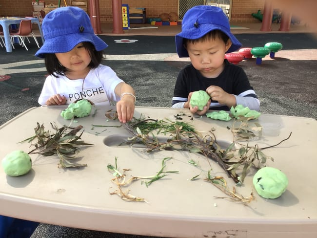 childcare rossmore - kids learning